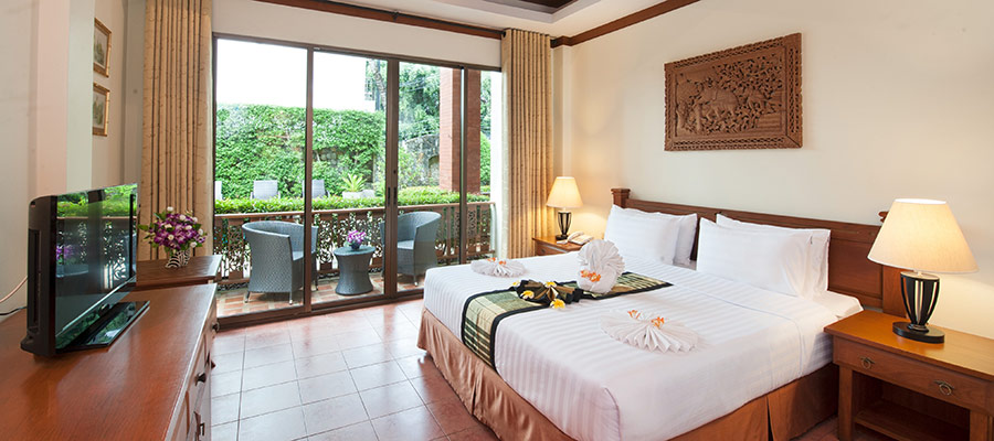 Example of the Deluxe Hotel Guest Room at our Patong accommodation with full service