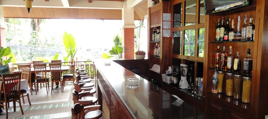Visit our cozy al fresco hotel bar at the Sun hill Hotel Patong - Phuket