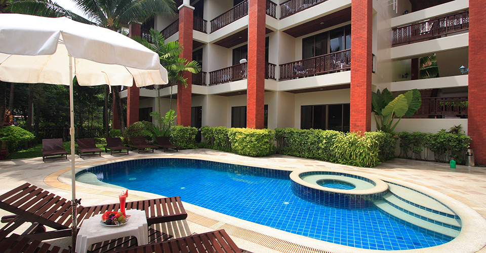 patong-hotel-pool-jacuzzi