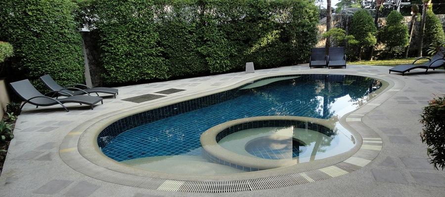 Patong Hotel Mit Pool Und Tropischer Garten Oase In Phuket