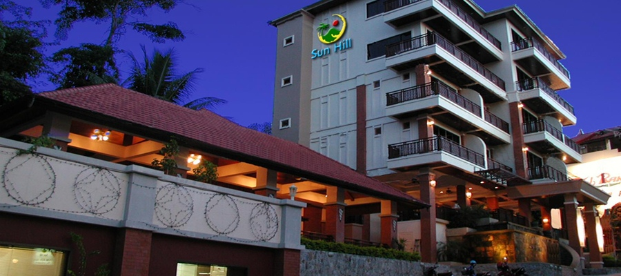 Beautiful Patong hotel with pool and full service Phuket accommodation in well managed property
