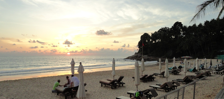 Our Phuket hotel with tropical pool welcomes you to Patong beach.