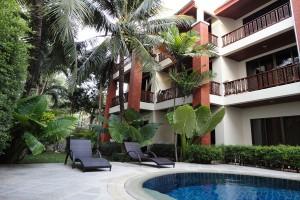 Sunhill-hotel-phuket-pool-garden