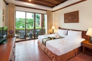 Phuket Hotel Deluxe Bedroom