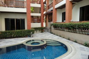 Jacuzzi-sun-hill-hotel-patong