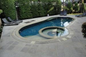 garden-oasis-pool